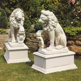 The David Sharp Studio Stone San Marco Lions