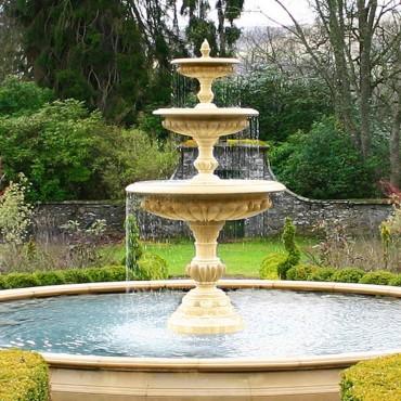 Large Three Tier Vermeer Garden Fountain Centrepiece